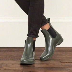 Sam Edelman Tinsley Rainboots, Olive Green, Size 6